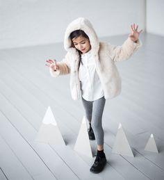 Ready to party-Baby girl | 3 months - 3 years-KIDS | ZARA United States Zara Kids, Baby Girl Fashion, Fashion Kids, Fashion 2016, Outfits Niños, Kids Outfits, Baby Coat, Stella Mccartney Kids, Knit Leggings