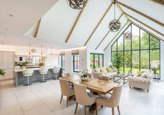 Beautiful In frame luxury kitchen installed in Hertfordshire Real Kitchen, Kitchen Dining, Dining Table, Dining Rooms, Traditional British Kitchens, Kitchen Showroom, Shaker Doors, Kitchen Installation, Small Rooms