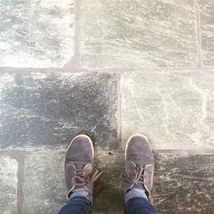 Grey Tiles, Floor Decor, Stone Flooring, Stone Tiles, Floor Design, Tile Floor, Interior Design, Cool Stuff, Floors