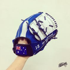 ::: GLOVEWORKS FLYING TO PERTH :::  Gloveworks x Gatland   Another custom glove for LA Dodgers Fan in Perth, Australia.   * Pro Steer-hide * Royal Blue & White Color Combo * Navy & White for Welting and Lacing * 2 Pieces Web A  * Text Embroideries on Thumb  * National Flag (Australia) on Wrist   #Baseball #MLB #MiLB #CustomGlove #BaseballGlove #BringItHome #Gloveworks #Customization #Welting #Mitt #Design #Aussie #Australia #Gatland #Dodgers #LADodgers