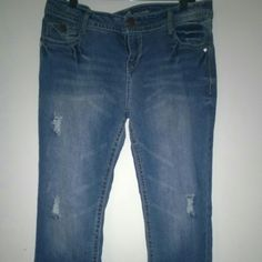 NWOT Wallflower Legendary Plus Size Bootcut Jeans New Jeans. Size is juniors 17 short. Someone gave these to me but I cannot fit them. Wildflower Jeans Pants