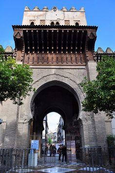 Puerta del Perdón. Patio de los Naranjos. Catedral de Sevilla (Andalucia) - España