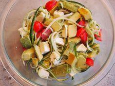 Zucchini Noodle Salad | www.lakeshorelady.com