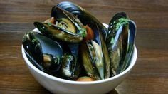 Garlic and Chilli Mussels - quick, easy and oh so tasty. Grab some crusty bread and you're in heaven