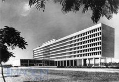 Faculdade de Arquitetura e Urbanismo, Cidade Universitária (UFRJ) na ilha do Fundão, Rio de Janeiro - RJ, Brasil - Jorge Machado Moreira