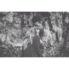 Seja sorrir ou chorar o importante é te ter para nos teus braços eu estar