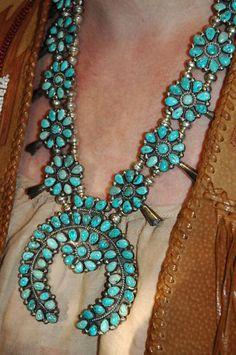 "Huge beautiful vintage zuni turquoise squash blossom necklace 228 grams 23"" long"
