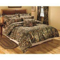 Perfect redneck bedroom i so love this bed frame for for Redneck bedroom designs