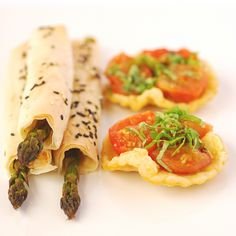 Google Image Result for http://peasepudding.files.wordpress.com/2009/11/canapes.jpg
