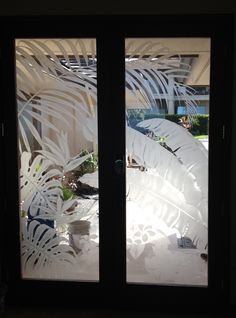 spectacular set of etched glass doors w/ a tropical foliage design tomt256@gmail.com