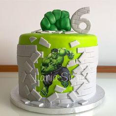 Hulk Birthday Cakes, Unique Birthday Cakes, Hulk Smash, Hulk Cakes, Hulk Party, Quinceanera Decorations, Avengers Birthday, Marvel Avengers, Fondant