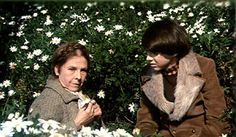 Ruth Gordon and Bud Cort in 'Harold and Maude (1971).
