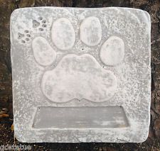 Pet Memorial dog paw stepping stone plastic mold plaster concrete mould
