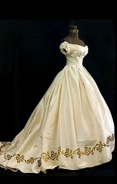 Civil War era ball gown....not sure that the train is accurate, but I love the rest