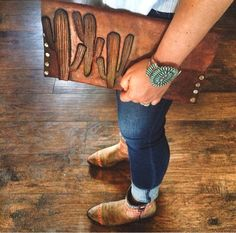 The hand-tooled leather cactus clutch, Navajo turquoise cuff, western inspired boots. Leather Tooling, Leather Purses, Tooled Leather, Leather Jewelry, Leather Keyring, Leather Bags, Leather Clutch, Moda Country, Country Girls