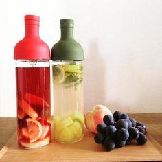 サングリアを作って。色鮮やかなフルーツがクリアな瓶に映えて美味しそう♪