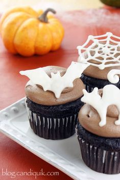 Easy DIY Halloween Cupcake Toppers