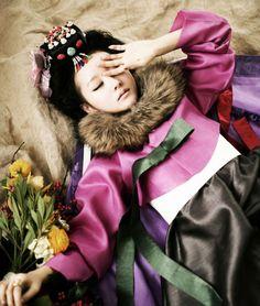 Traditional Korean dress I Hanbok Oriental Dress, Oriental Fashion, Ethnic Fashion, Asian Fashion, High Fashion, Korean Traditional Clothes, Traditional Fashion, Traditional Dresses, Korean Dress