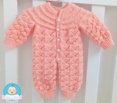 Baby Knitting Patterns, Baby Sweater Patterns, Baby Patterns, Knitted Baby Cardigan, Crochet Baby Clothes, Baby Vest, Crochet Videos, Jacket Pattern, Baby Sweaters