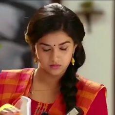 Tamil Video Songs, Love Songs Hindi, Love Songs Lyrics, Cute Love Songs, Friendship Songs, Girl Friendship, Love Couple Images, Cute Couple Videos, Love Animation Wallpaper