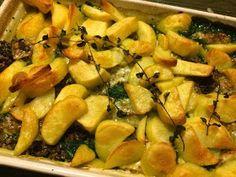 Spinazie met gehakt en kaas uit de oven