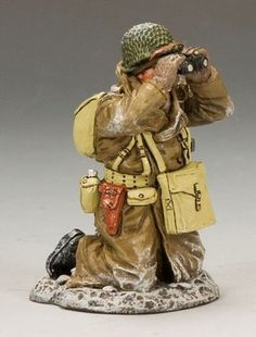 World War II U.S. Battle of the Bulge BBA042 Officer Kneeling with Binoculars - Made by King and Country Military Miniatures and Models. Factory made, hand assembled, painted and boxed in a padded decorative box. Excellent gift for the enthusiast.