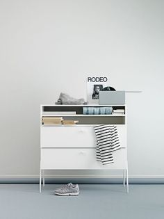 string pocket in my livingroom my old space pinterest inredning f r hemmet och id er. Black Bedroom Furniture Sets. Home Design Ideas