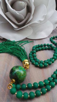 Collar de borlas verdes. Borla collar con piedra turquesa. Collar largo perlas borla. Collar de boho. Collar turquesa africana