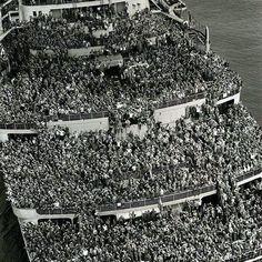 End of WW II: 'Queen Elizabeth' brings American soldiers to NY