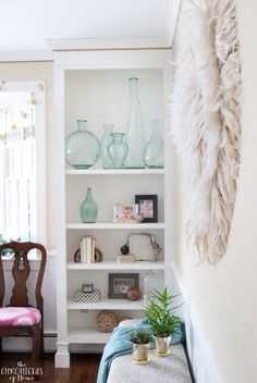 how to make a gorgeous, unique, textural juju hat for your walls - such a statement piece and SOOO easy to make! Juju Hat, Feather Wall Art, Open Wall, Funky Design, Nursery Neutral, Neutral Colors, Diy Furniture, Walls, Macrame