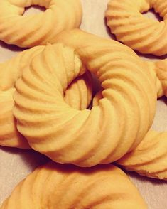 Biscuit tunisien (bachkoutou) Tea Cookies, Almond Cookies, Peanut Butter Cookies, Beignets, Ensaymada Recipe, Patisserie Cake, Tunisian Food, Eid Food, Egyptian Food
