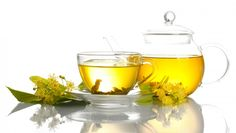 Green tea is rich in polyphenols which are a powerful anti-oxidant that offer maximum protection against free radical damage. Drinking Green tea can help increase your internal anti-oxidant protection Allergy Remedies, Eczema Remedies, Hair Loss Remedies, Cold Medicine, Herbal Medicine, Health And Beauty Tips, Health And Wellness, Effects Of Green Tea, Herbal Remedies For Anxiety