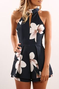 Best Clothing Styles For Women Over 50 - Fashion Trends Cute Summer Outfits, Outfits For Teens, Pretty Outfits, Casual Outfits, Cute Outfits, Summer Dresses, Summer Floral Dress, Over 50 Womens Fashion, Fashion Over 50