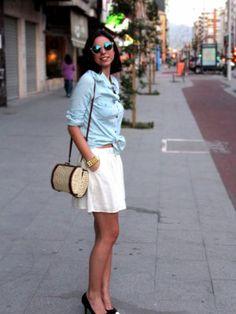 la_poire_rouge Outfit  casual blanco chic denim verano  Verano 2013. Combinar Camisa-Blusa Azul cielo Blanco, Gafas Blancas H