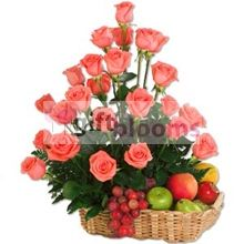 Mami Linda - [Mx_32] From the womb nursed me, lulled me in your arms, your voice comforted me, and my tears You calm. fruit basket decorated with 24 roses at the top.