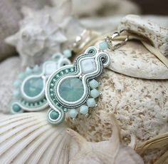 gallatea / Vábivá pieseň Sirén Soutache Earrings, Handmade Jewellery, Shibori, Beadwork, Jade, Jewels, Projects, Ideas, Soutache Jewelry