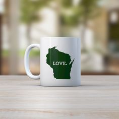 Give the Packers fan in your life a wonderful mug that they will enjoy time and time again. This Wisconsin coffee mug makes a great stocking stuffer! All states and countries available. If you don't s