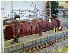 Maqueta estación con marquesina. Bobinero RENFE. Escala H0.