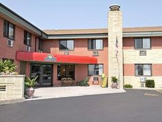 Green Bay (WI) Quality Inn Stadium Area United States, North America Quality Inn Stadium Area is a popular choice amongst travelers in Green Bay (WI), whether exploring or just passing through. The property features a wide range of facilities to make your stay a pleasant experience. Wi-Fi in public areas, car park, business center, newspapers, laundry service are there for guest's enjoyment. Guestrooms are fitted with all the amenities you need for a good night's sleep. In som...
