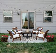 How to decorate a small patio on a budget - this patio makeover before and after is amazing! Checkout this post to get tons of patio makeover ideas, including small patio ideas for an apartment or townhouse and affordable patio furniture. #patiomakeover #