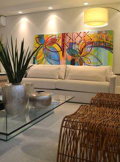 Apartamento para um jovem casal em tons de cinza : Salas de jantar minimalistas por Helô Marques Associados