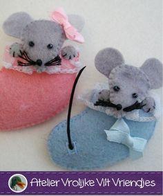 Geboortesokje blauw en roze   Baby- Geboorte   Atelier Vrolijke Vilt Vriendjes