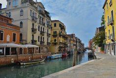 Venice ♥️���� #canal #bridge #gondola #venice #italy #venezia #travel #photography http://tipsrazzi.com/ipost/1510752268499188417/?code=BT3RS8TgnrB