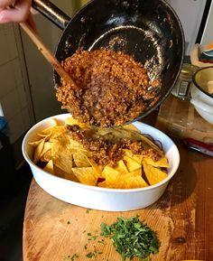 Nachos, Paella, Ethnic Recipes, Life, Food, Essen, Meals, Tortilla Chips, Yemek