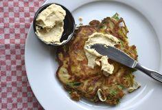 Skinny Six: Preipannenkoeken met hummus. In deze pannenkoeken zit heel weinig meel, maar wel heel veel groenten. #healthy #skinny