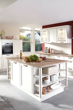 The beauty of the real wood fronts and design elements underscores the exceptional aesthetic of this cottage style kitchen. Kitchen Manufacturers, Dream Kitchen, Kitchen Trends, Bespoke Kitchens, Kitchen Decor, Cottage Kitchen, Kitchen, Cottage Style Kitchen, Traditional Kitchen