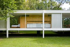 Farnsworth House - Mies van der Rohe. One of my favorite homes and architects.