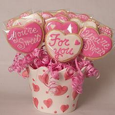 cookie bouquets- great way to doll up store bought cookies #givebakery #valentinesday #sweetgifting