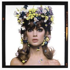 Love the flowers and eye makeup.
