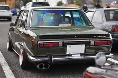 Datsun 1600, Datsun Car, Car Racer, On The Road Again, Japan Cars, Fender Flares, Jdm Cars, Custom Cars, Vintage Cars